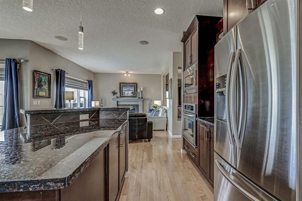 Photo 10: Photos: 66 Everhollow Rise SW in Calgary: Evergreen Detached for sale : MLS®# A1101731