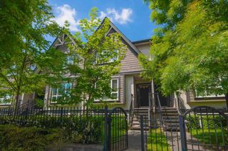 """Photo 2: 8 9077 150 Street in Surrey: Bear Creek Green Timbers Townhouse for sale in """"Crystal"""" : MLS®# R2585990"""