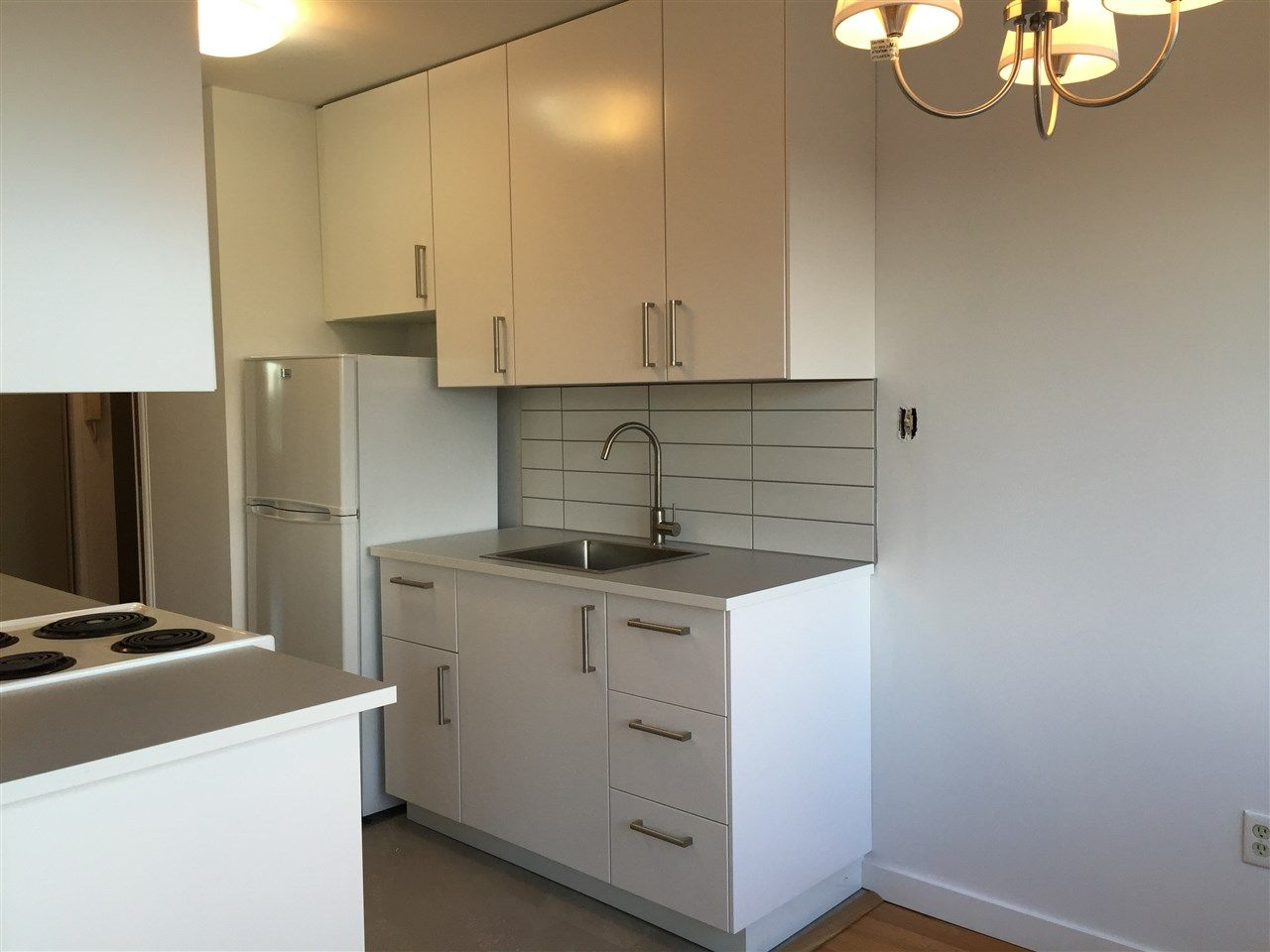 "Photo 5: Photos: 504 6026 TISDALL ST in Vancouver: Oakridge VW Condo for sale in ""Oakridge Towers"" (Vancouver West)  : MLS®# R2021576"