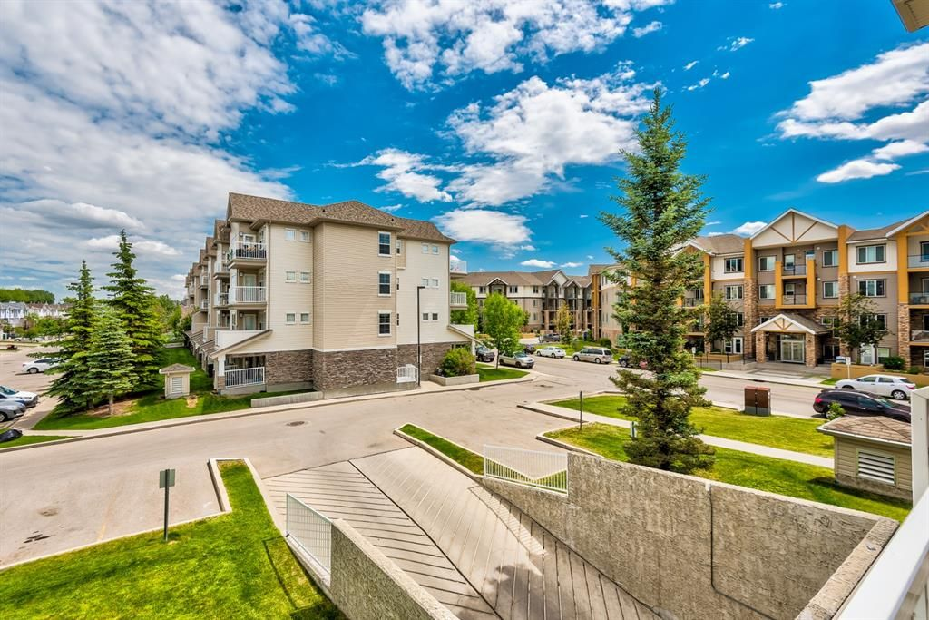 Photo 11: Photos: 204 1000 Applevillage Court SE in Calgary: Applewood Park Apartment for sale : MLS®# A1121312