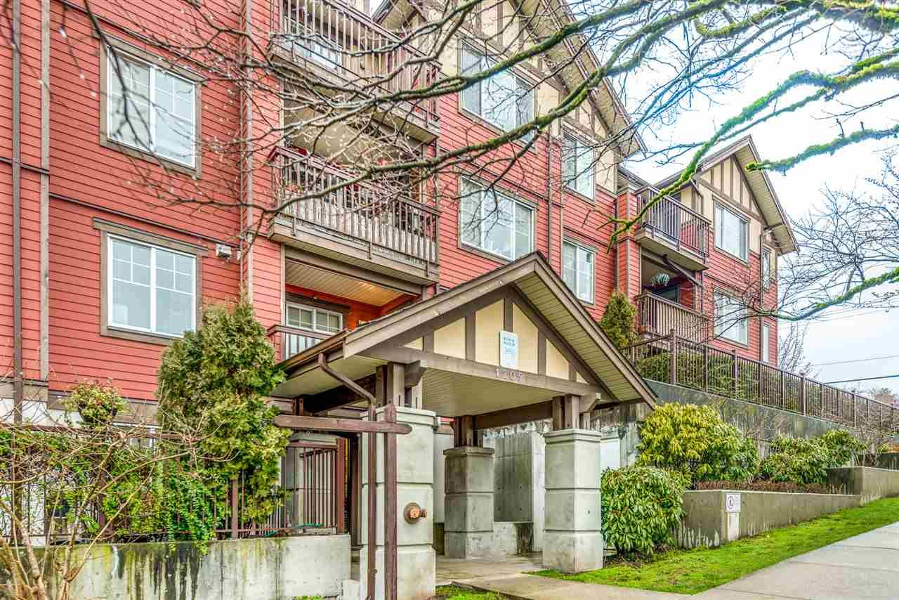 """Main Photo: PH1 1205 FIFTH Avenue in New Westminster: Uptown NW Condo for sale in """"River Vista"""" : MLS®# R2547169"""