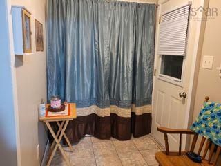 Photo 7: 70 Borden Street in Sydney: 201-Sydney Residential for sale (Cape Breton)  : MLS®# 202121190