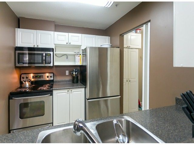 Photo 16: Photos: 414 5765 GLOVER Road in Langley: Langley City Condo for sale : MLS®# F1402300