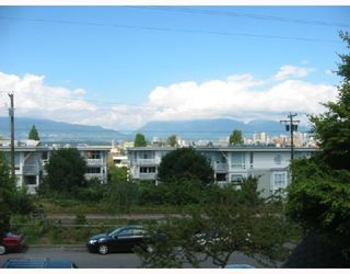 """Photo 9: 213 1890 W 6TH Avenue in Vancouver: Kitsilano Condo for sale in """"HERITAGE AT CYPRESS"""" (Vancouver West)  : MLS®# V660444"""