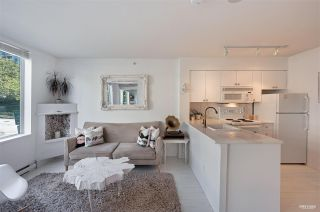 """Photo 3: 202 910 BEACH Avenue in Vancouver: Yaletown Condo for sale in """"Meridian"""" (Vancouver West)  : MLS®# R2581260"""