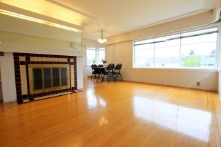 Photo 3: 3744 LINWOOD Street in Burnaby: Burnaby Hospital House for sale (Burnaby South)  : MLS®# R2603396