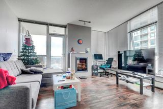 Photo 5: 1805 99 SPRUCE Place SW in Calgary: Spruce Cliff Apartment for sale : MLS®# C4245616
