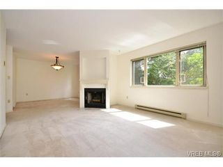 Photo 3: 202 1436 Harrison St in VICTORIA: Vi Downtown Condo for sale (Victoria)  : MLS®# 669412