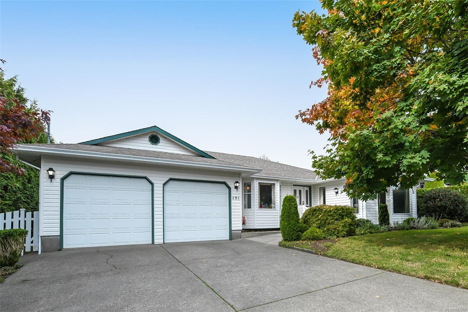 Main Photo: 151 Pritchard Rd in Comox: CV Comox (Town of) House for sale (Comox Valley)  : MLS®# 887795