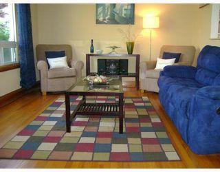 Photo 2: 406 SACKVILLE Street in WINNIPEG: St James Residential for sale (West Winnipeg)  : MLS®# 2818045