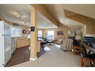 """Photo 16: 1424 BISHOP Road: White Rock House for sale in """"WHITE ROCK"""" (South Surrey White Rock)  : MLS®# R2540796"""