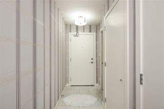 """Photo 17: 1105 833 SEYMOUR Street in Vancouver: Downtown VW Condo for sale in """"Capitol Residences"""" (Vancouver West)  : MLS®# R2499995"""