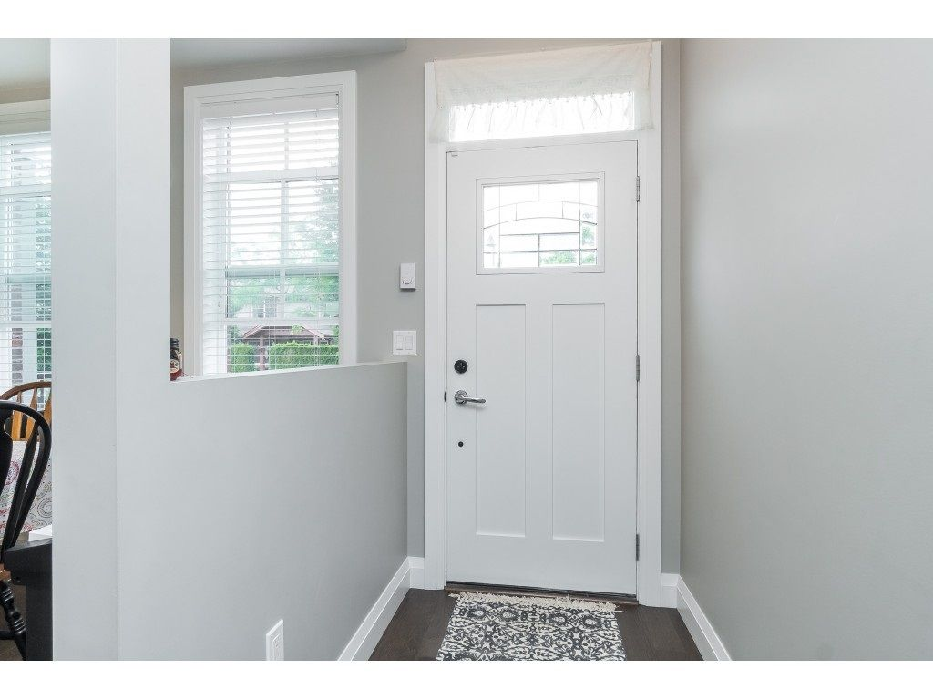 """Photo 4: Photos: 4 45526 TAMIHI Way in Sardis: Vedder S Watson-Promontory Townhouse for sale in """"BRIXTON STATION PHASE 2"""" : MLS®# R2459352"""