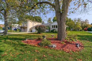 Photo 3: 1 Yewfield Crescent in Toronto: Banbury-Don Mills House (Bungalow) for lease (Toronto C13)  : MLS®# C4997589