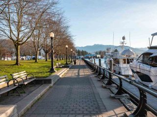 """Photo 16: 511 1333 W GEORGIA Street in Vancouver: Coal Harbour Condo for sale in """"Qube"""" (Vancouver West)  : MLS®# R2439175"""