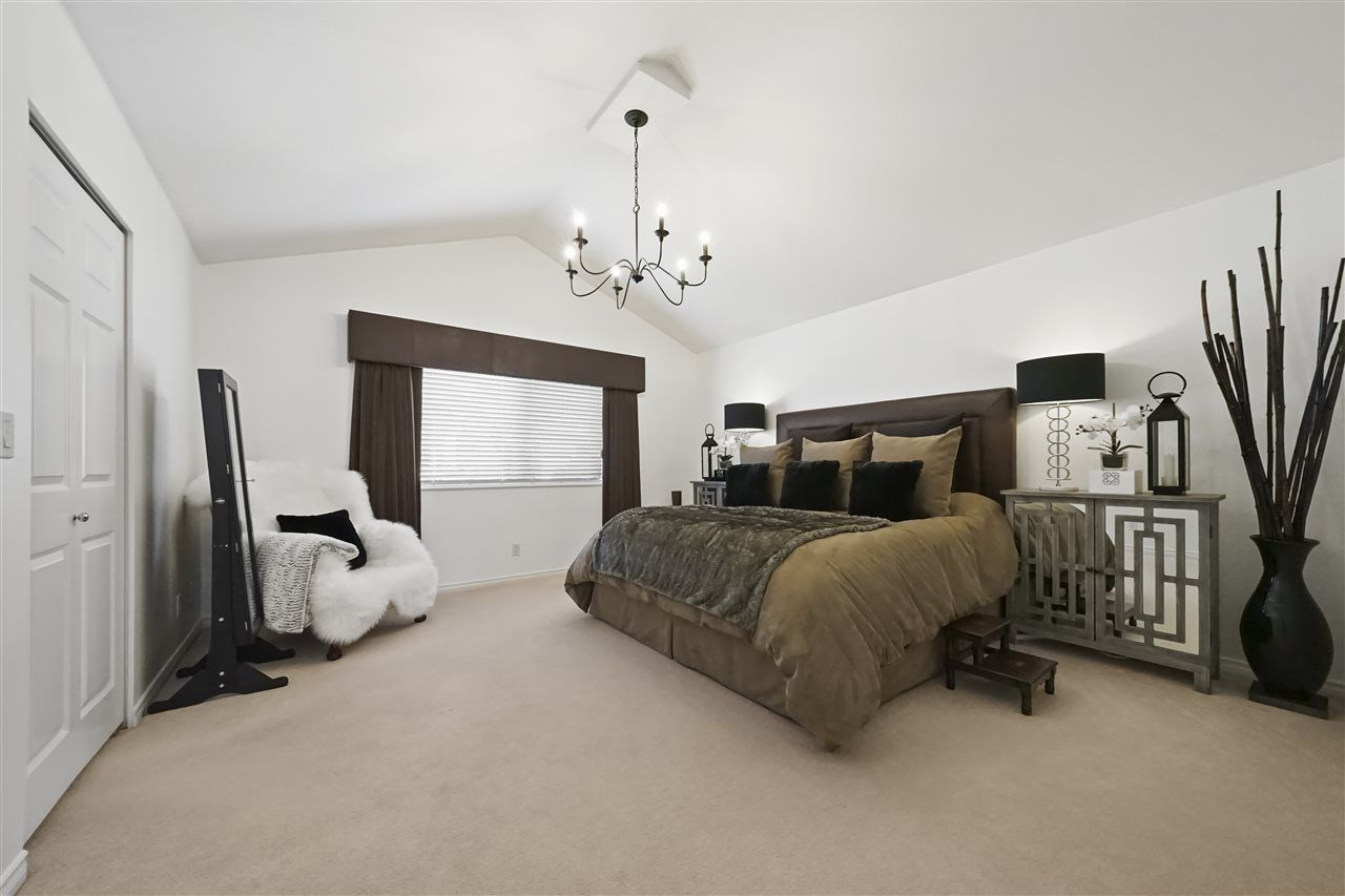 """Photo 10: Photos: 6686 205A Street in Langley: Willoughby Heights House for sale in """"WILLOW RIDGE"""" : MLS®# R2346126"""
