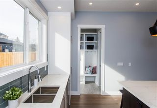 Photo 17: 509 24 Avenue NE in Calgary: Winston Heights/Mountview Semi Detached for sale : MLS®# C4279746