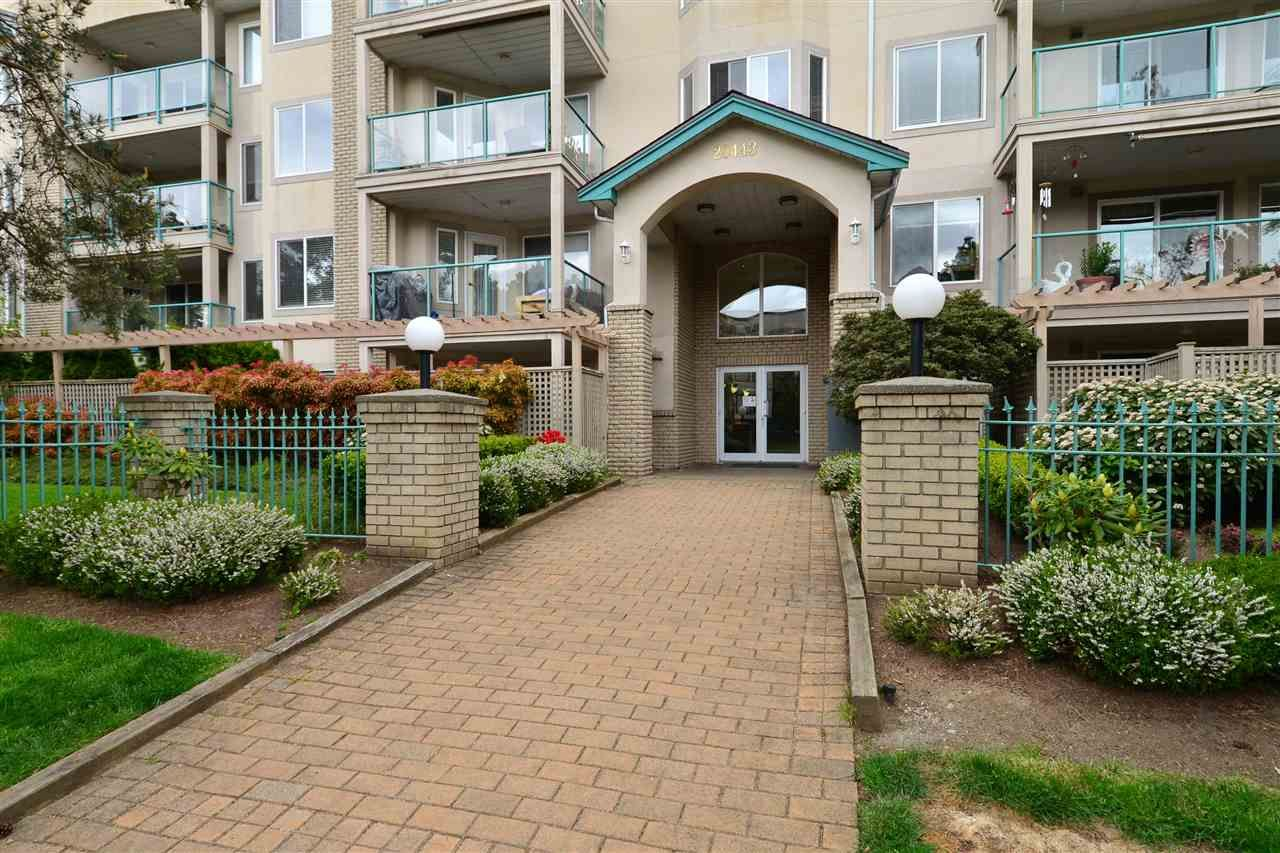 """Main Photo: 104 20443 53RD Avenue in Langley: Langley City Condo for sale in """"Countryside Estates"""" : MLS®# R2415848"""