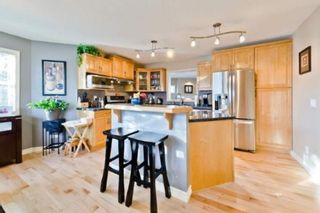 Photo 8: 310 Inglewood Grove SE in Calgary: Inglewood Row/Townhouse for sale : MLS®# A1100172