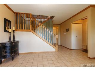 Photo 3: 1848 Mt. Newton Cross Rd in SAANICHTON: CS Saanichton House for sale (Central Saanich)  : MLS®# 679943