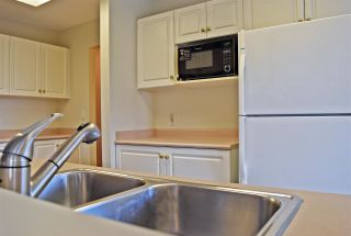Photo 10: 14 5740 MARINE Way in Sechelt: Sechelt District Townhouse for sale (Sunshine Coast)  : MLS®# R2523200