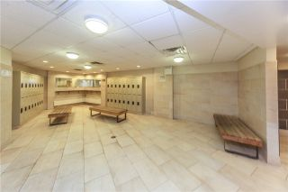Photo 9: Ph 5 60 Pavane Linkway Way in Toronto: Flemingdon Park Condo for sale (Toronto C11)  : MLS®# C3573843
