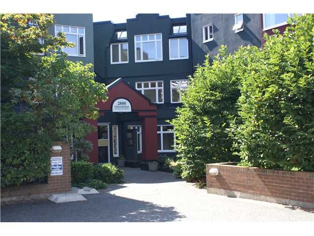 Main Photo: 311 2800 CHESTERFIELD Avenue in North Vancouver: Upper Lonsdale Condo for sale : MLS®# V911586