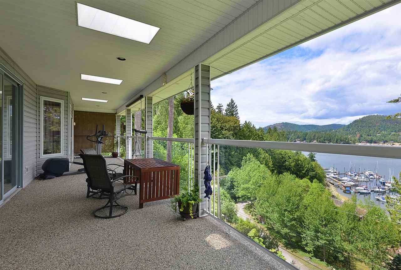Main Photo: 5175 WESJAC Road in Madeira Park: Pender Harbour Egmont House for sale (Sunshine Coast)  : MLS®# R2356463