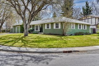 Photo 2: 776 Willamette Drive SE in Calgary: Willow Park Detached for sale : MLS®# A1102083