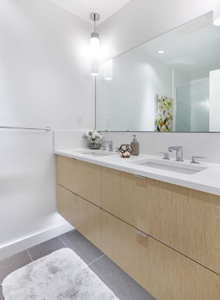 """Photo 21: 303 1621 HAMILTON Avenue in North Vancouver: Mosquito Creek Condo for sale in """"HEYWOOD ON THE PARK"""" : MLS®# R2603480"""