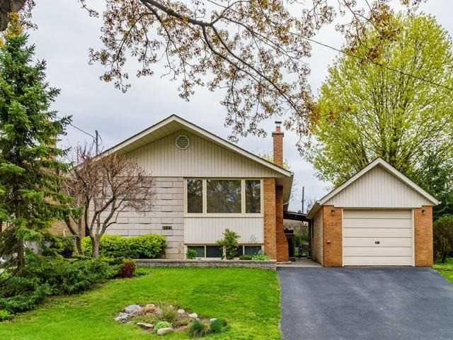 Main Photo: 124 Thicketwood Drive in Toronto: Eglinton East House (Bungalow) for sale (Toronto E08)  : MLS®# E3807933