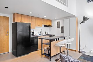 """Photo 6: 420 933 SEYMOUR Street in Vancouver: Downtown VW Condo for sale in """"The Spot"""" (Vancouver West)  : MLS®# R2624826"""