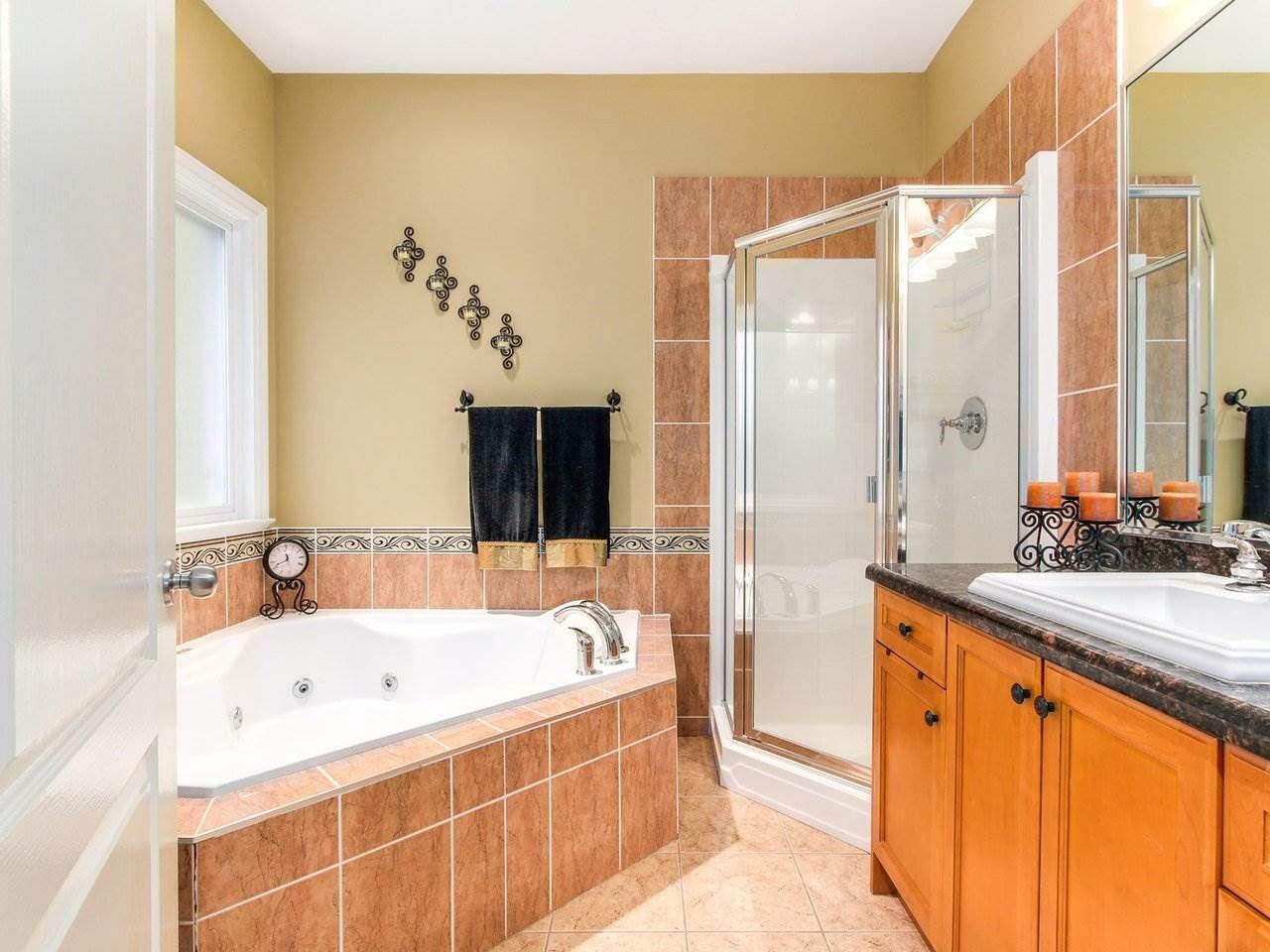 Photo 15: Photos: 725 REGAN Avenue in Coquitlam: Coquitlam West House for sale : MLS®# R2226266