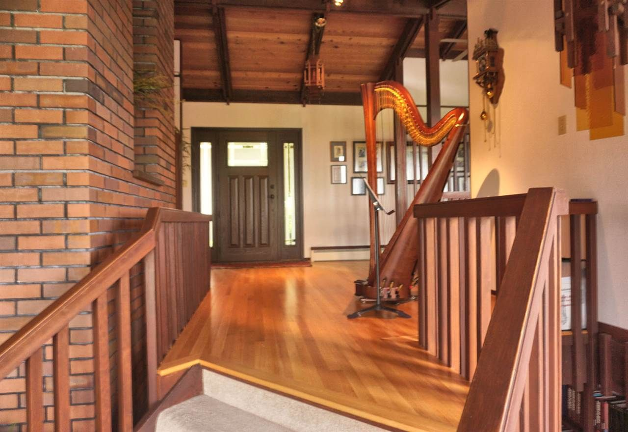 Photo 9: Photos: 10040 TIMBERLINE Place in Chilliwack: Little Mountain House for sale : MLS®# R2167640