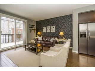 """Photo 6: 77 18983 72A Avenue in Surrey: Clayton Townhouse for sale in """"KEW"""" (Cloverdale)  : MLS®# R2034361"""