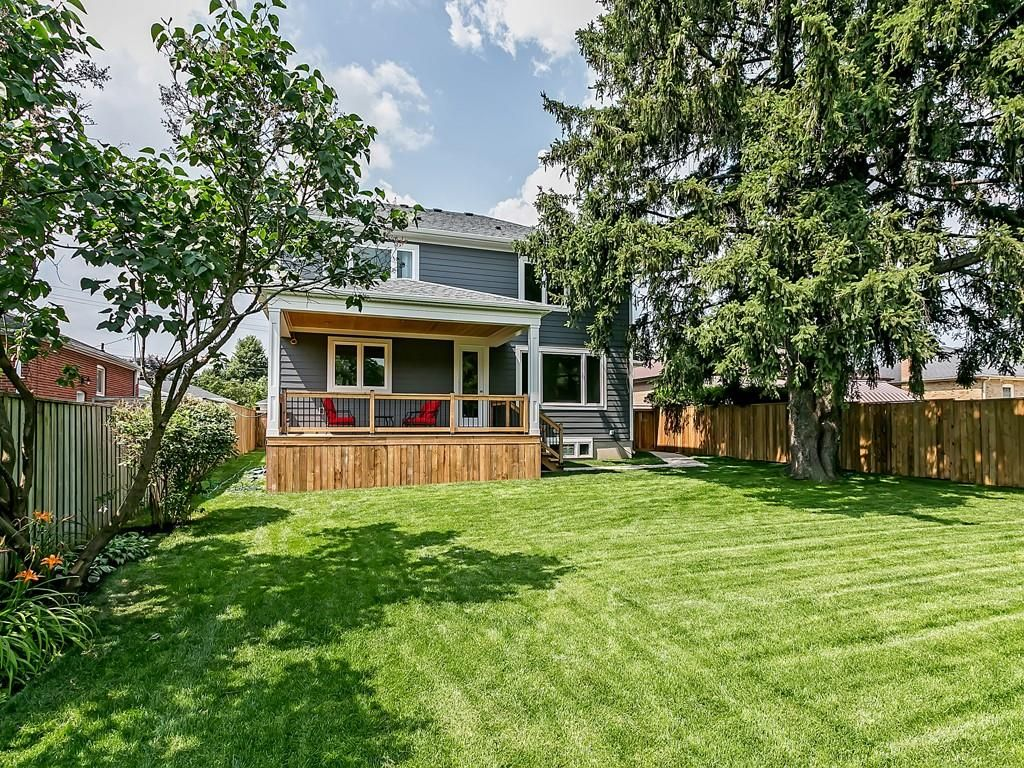 Photo 33: Photos: 2226 COURTLAND Drive in Burlington: Residential for sale : MLS®# H4062761