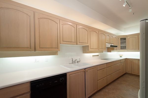 """Photo 13: Photos: # 311 3755 W 8TH AV in Vancouver: Point Grey Condo for sale in """"THE CUMBERLAND"""" (Vancouver West)  : MLS®# V1040579"""