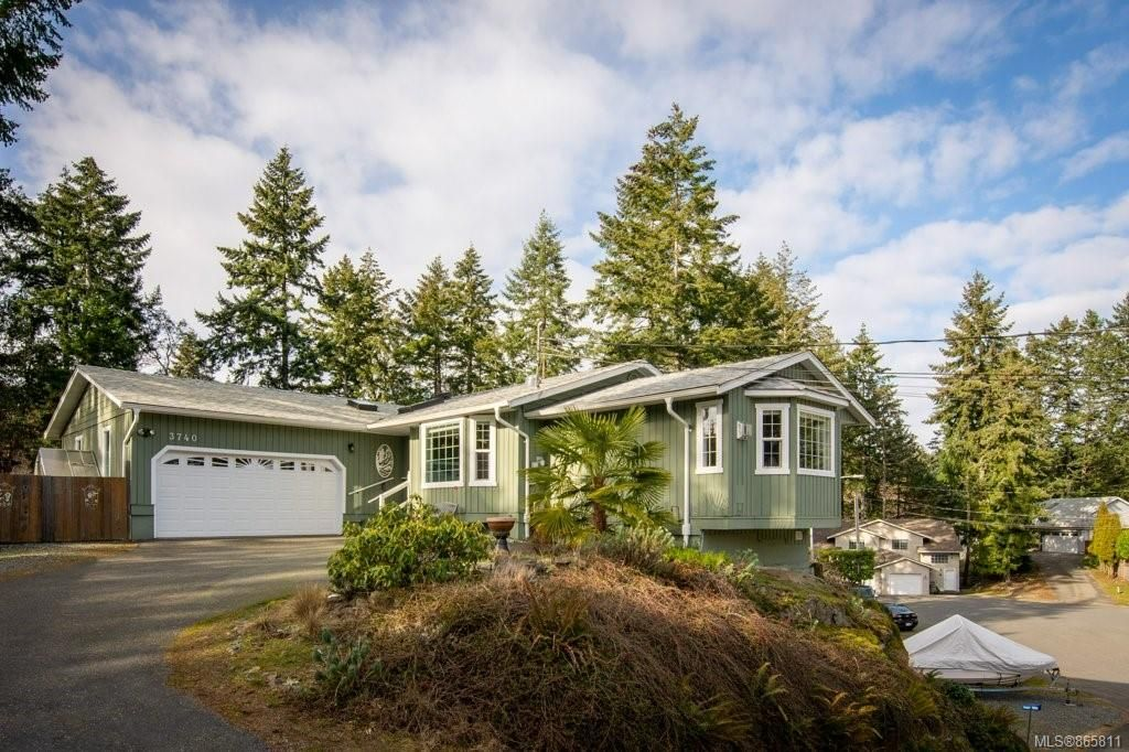 Main Photo: 3740 Elworthy Pl in : Na Departure Bay House for sale (Nanaimo)  : MLS®# 865811