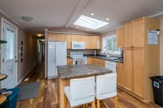 """Photo 12: 2866 EVASKO Road in Prince George: South Blackburn Manufactured Home for sale in """"SOUTH BLACKBURN"""" (PG City South East (Zone 75))  : MLS®# R2542635"""