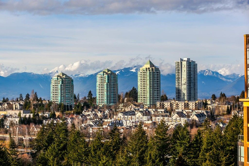 """Photo 3: Photos: 1903 7368 SANDBORNE Avenue in Burnaby: South Slope Condo for sale in """"MAYFAIR PLACE I"""" (Burnaby South)  : MLS®# R2140930"""