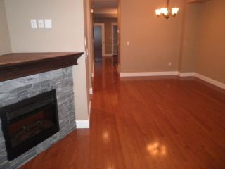 Photo 3: 9 32792 LIGHTBODY Court in Mission: Mission BC Townhouse for sale : MLS®# R2022758