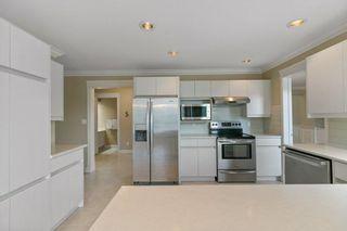 Photo 10: 259 HEAGLE Crescent in Edmonton: Zone 14 House for sale : MLS®# E4266226