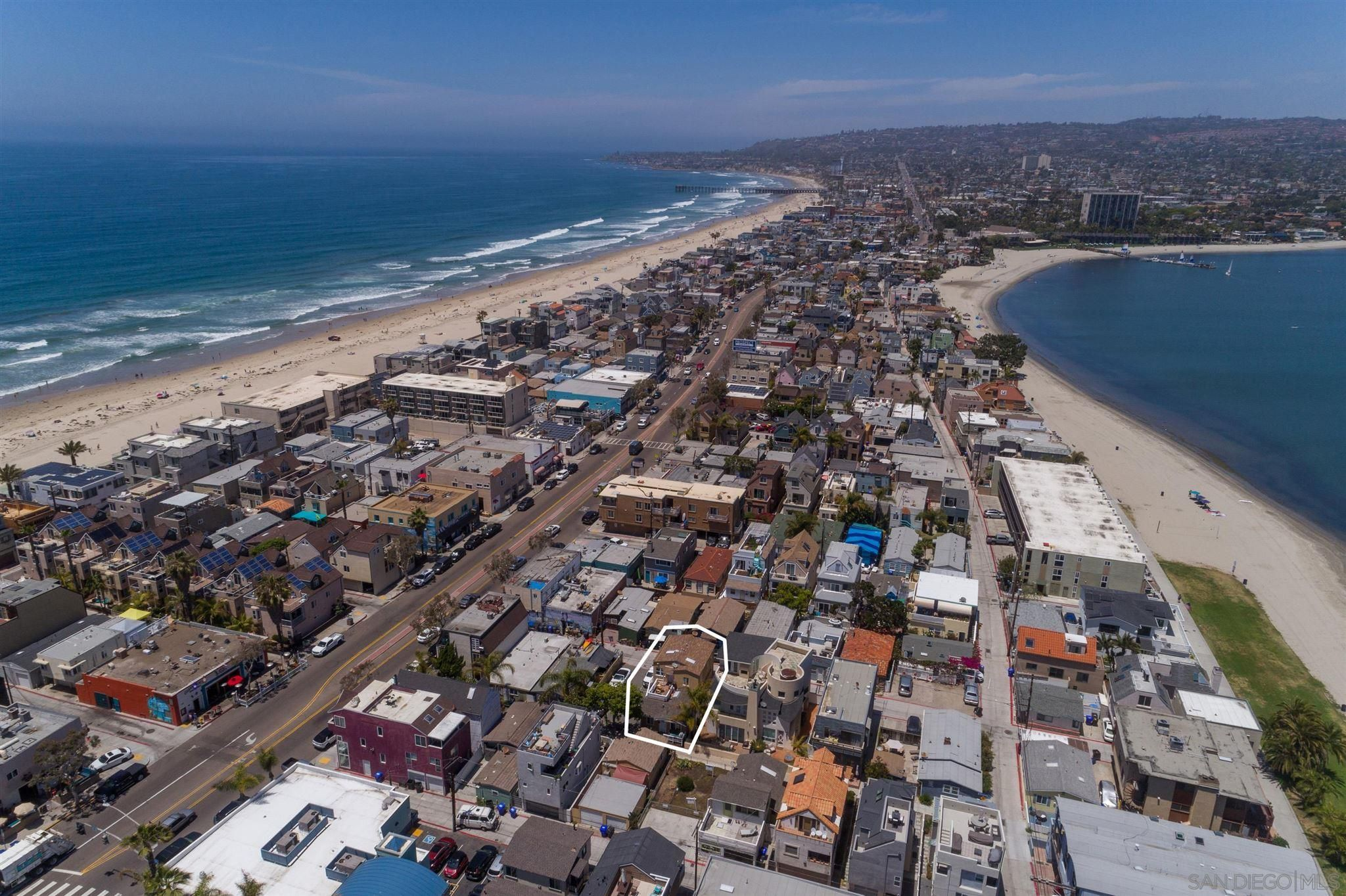 Main Photo: MISSION BEACH Property for sale: 818-820 Portsmouth in San Diego