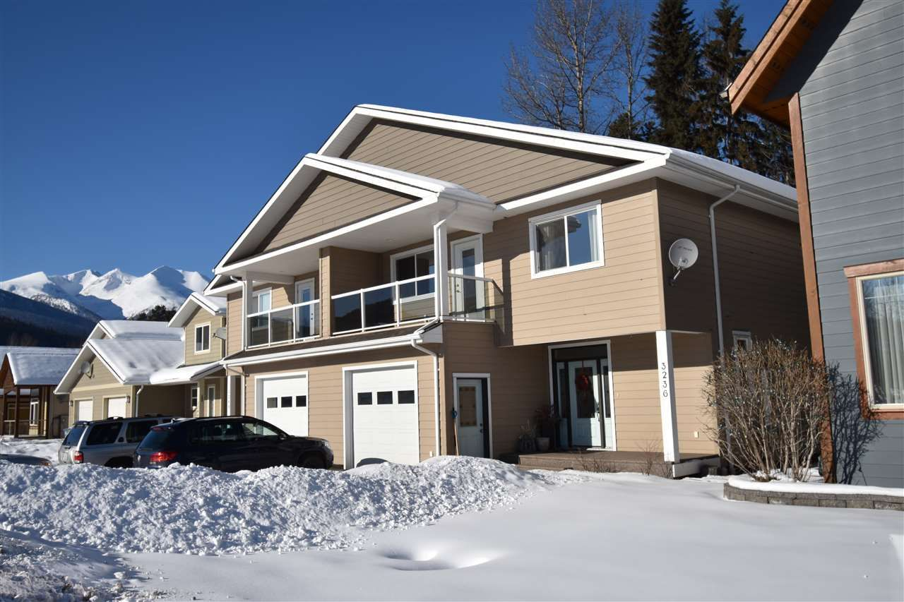 """Main Photo: 3236 THIRD Avenue in Smithers: Smithers - Town 1/2 Duplex for sale in """"Willowvale"""" (Smithers And Area (Zone 54))  : MLS®# R2538878"""
