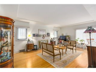 Photo 2: 1108 W 41ST Avenue in Vancouver: South Granville House for sale (Vancouver West)  : MLS®# V1096293