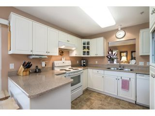 """Photo 5: 41 20222 96 Avenue in Langley: Walnut Grove Townhouse for sale in """"Windsor Gardens"""" : MLS®# R2597254"""