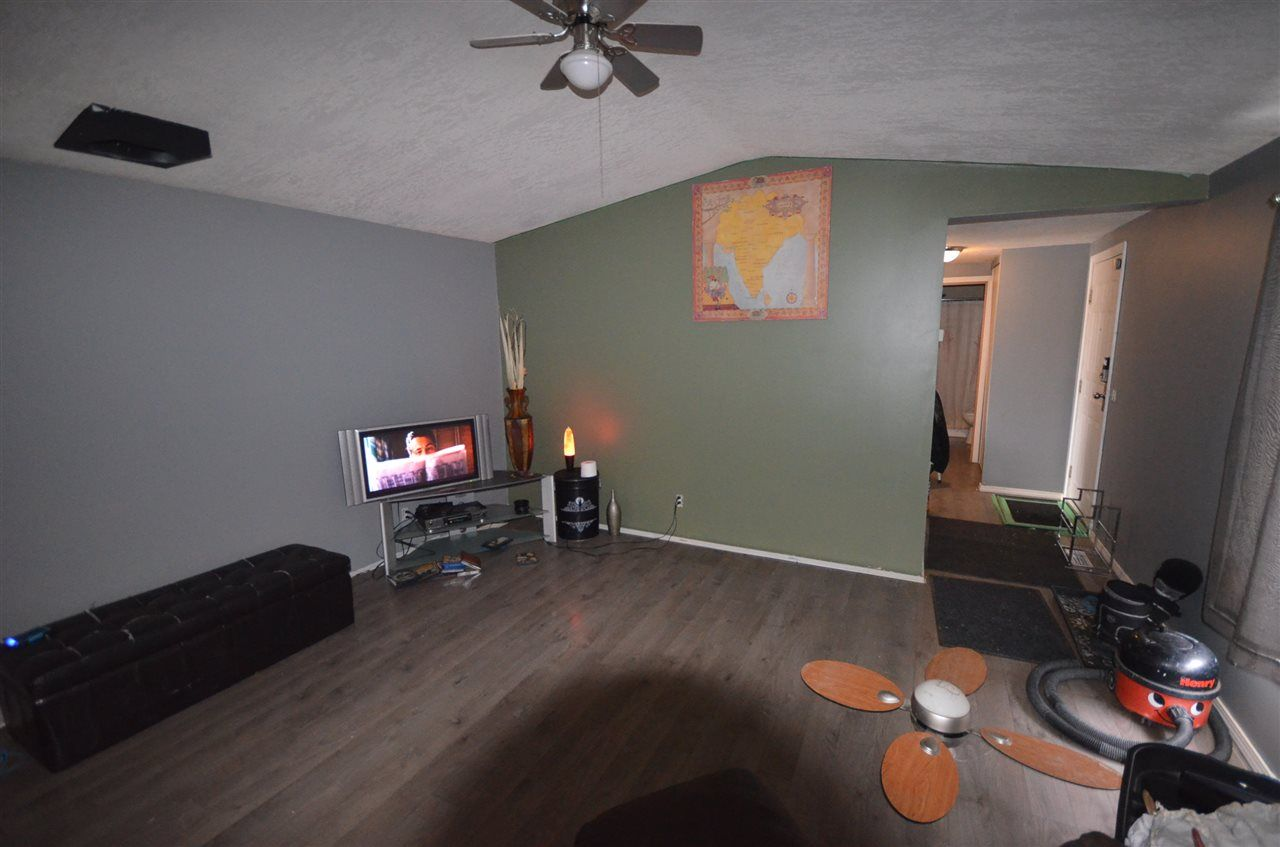 Photo 6: Photos: 10523 101 Street: Taylor Manufactured Home for sale (Fort St. John (Zone 60))  : MLS®# R2517139
