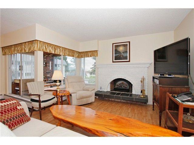Photo 12: Photos: 302 1390 Martin Street: White Rock Condo for sale (South Surrey White Rock)  : MLS®# F1427952
