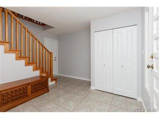 Photo 2: 4261 Thornhill Cres in VICTORIA: SE Lambrick Park House for sale (Saanich East)  : MLS®# 728863