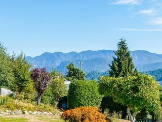 Photo 29: 612 BAYCREST Drive in North Vancouver: Dollarton House for sale : MLS®# R2616316